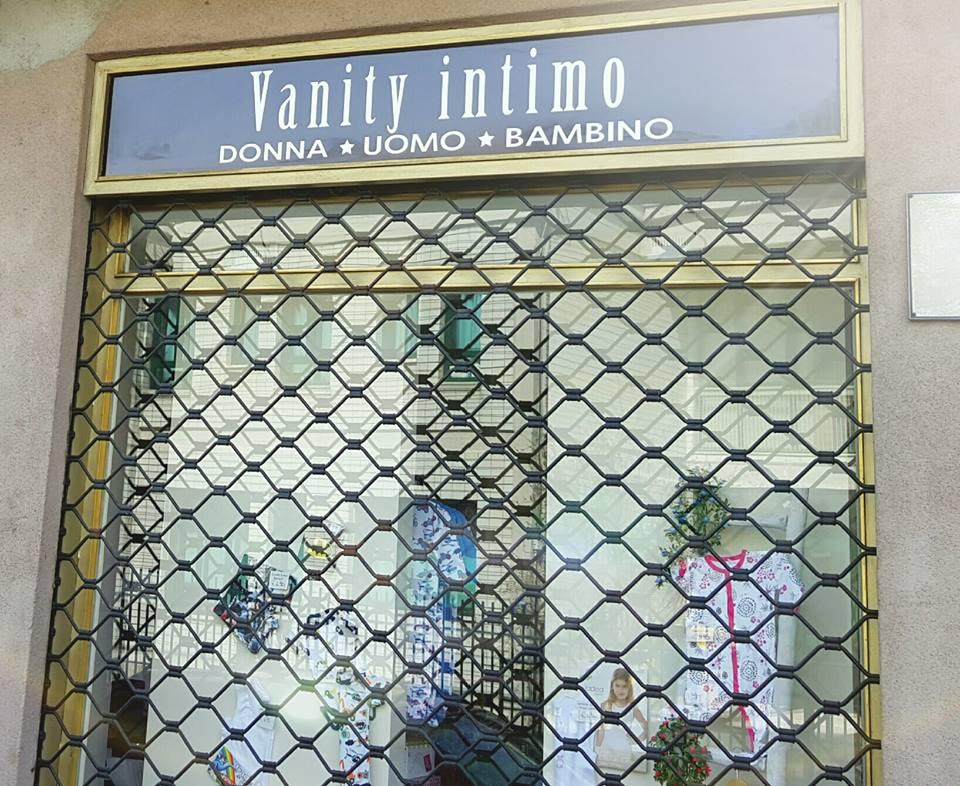 Vanity l 39 intimo intimo borgaro torinese - Piscina borgaro torinese ...