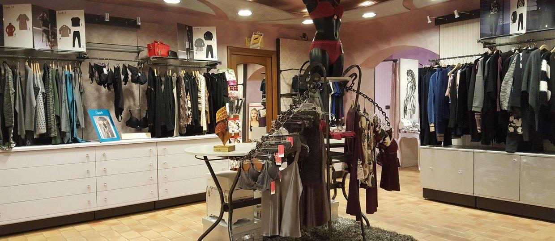 quality design 487e3 8d4c4 Negozi con prodotti Twin set a Aosta