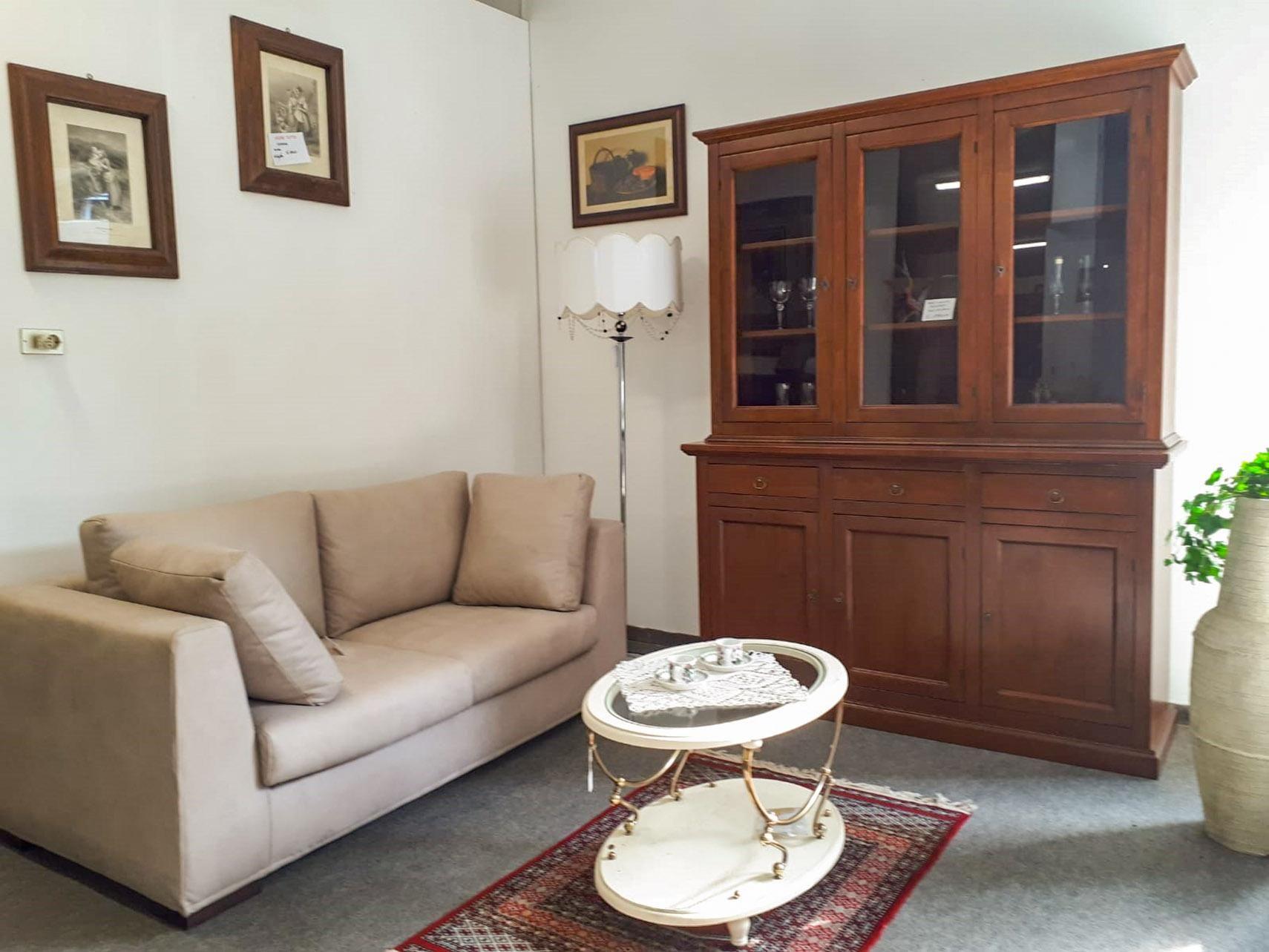 Arredo soggiorno nelle vetrine di Agnello Tuttocasa - San ...