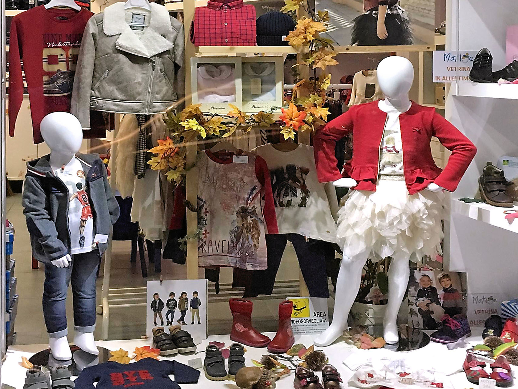 finest selection 94cc2 99eea Scarpe e abbigliamento bambini collezione autunno inverno ...